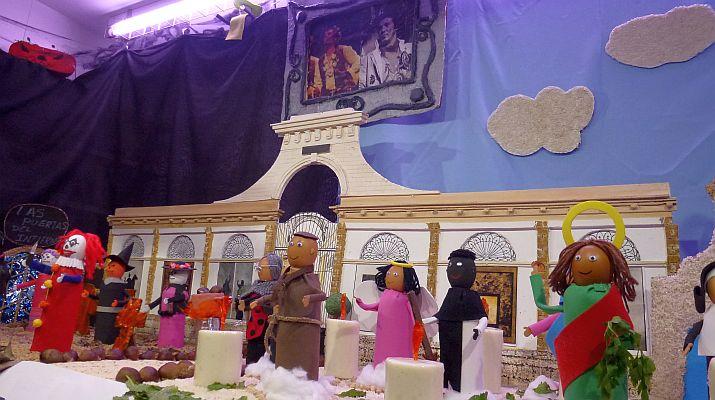 Halloween contra Holiwins en los Tosantos del Mercado Central de Abastos.